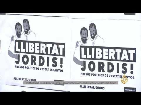 مظاهرات في برشلونة لاعتقال زعيمين بالحركة الكتالونية  - 03:21-2017 / 10 / 18