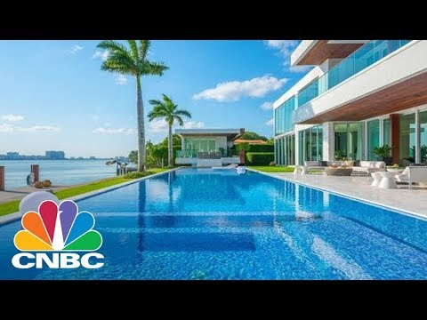 Superstar Rihanna Filmed A Music Video In This $29 Million Miami Mansion | CNBC