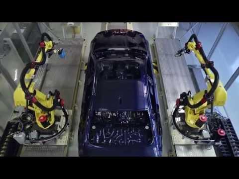 Robot phun sơn vỏ xe BMW - Liên hệ: 0904887070