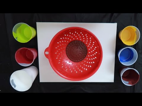 Fluid Art | Kaleidoscope Colander Pour Technique