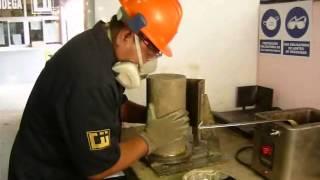 Ensayo a compresión de probetas normalizadas de concreto según norma ASTM-C-39