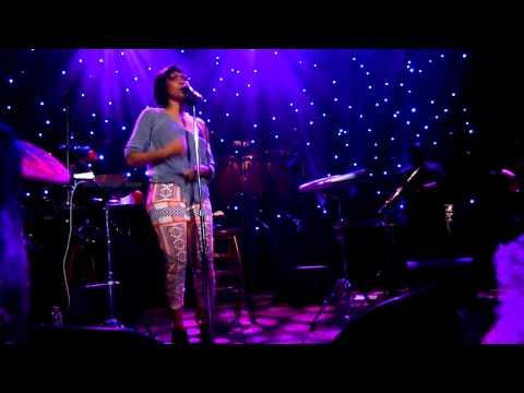 """Erykah Badu - """"Green Eyes"""" - Live in Chicago - 3/29/2013."""