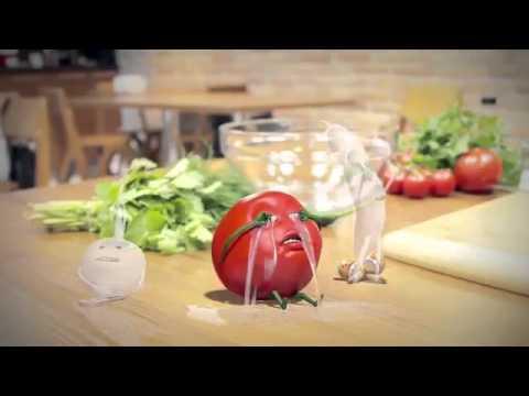 Salataya Malzeme Olmak İstemeyen Ağlayan Domates
