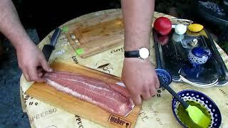 Как вкусно приготовить рыбу. Мраморный сом на кедровой доске с белым вином в гриле