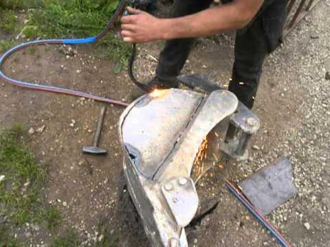 Excavator bucket repair part2 - work with gas oxygen cutting torch