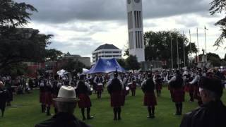 Manawatu Scottish No.1 Pipe Band Medley - Palmerston North Square Day 2015(, 2015-12-14T16:06:26.000Z)