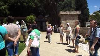 Израиль -- Акко -- Двор замка крестоносцев(Домашнее видео -- День 4-ый -- 15 мая 2013 г. Израиль -- Акко -- Двор замка крестоносцев - 2013.05.15 wed -0640 ישראל   دولة..., 2013-06-15T23:41:55.000Z)
