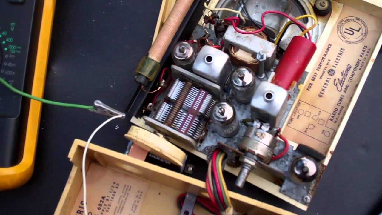 Ge 682 Battery Powered Tube Am Radio Running On 9 Volt