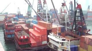hong kong port crane