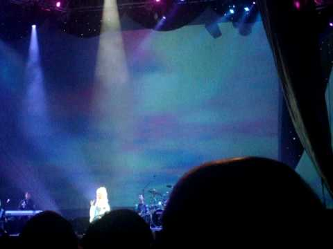 Dolly parton live in Nottingham 2008