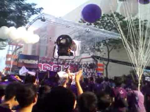 Balon ungu, ultah ungu band
