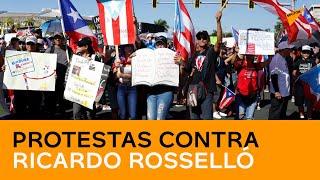 EN VIVO: Los puertorriqueños salen a las calles para exigir la dimisión de su gobernador thumbnail