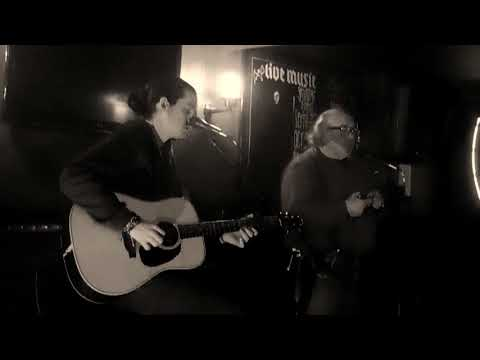 Kelvin Davies and Gary (the hat) Jones cover Charley patton 'I'm going home'