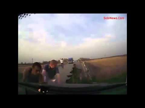 Обрушение дороги у Демьянки. Трасса Тюмень - Ханты-Мансийск