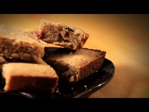 how-to-make-bacon-bourbon-blondies-|-bacon-recipes