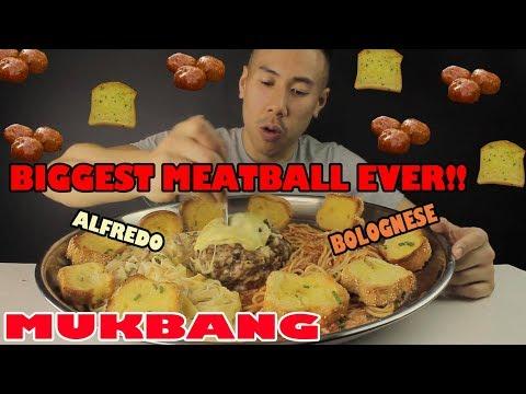 MUKBANG BIGGEST MEATBALL EVER!!! SPAGHETTI BOLOGNESE+CHEESY ALFREDO FETTUCINE-MASSIVE BITES