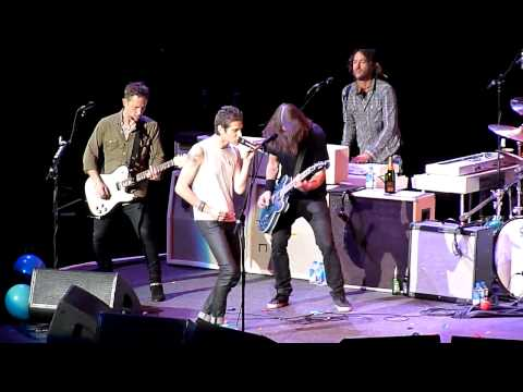 2015.01.10 Foo Fighters with Perry Farrell