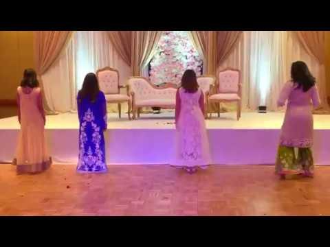 M Manwa laage and Chittiyaan Kalaiyaan dance medley by Anika Priyanka Nidi and Mehraz.mp4