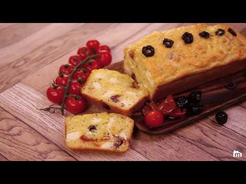 cake-aux-tomates-séchées,-feta-et-olives-vertes