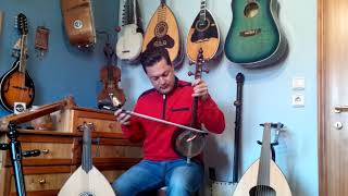 Matthaios Tsahouridis and his love for various string instruments