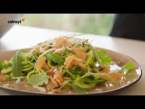 la-recette-de-kelly-:-spaghettis-de-courgettes-au-saumon---colruyt