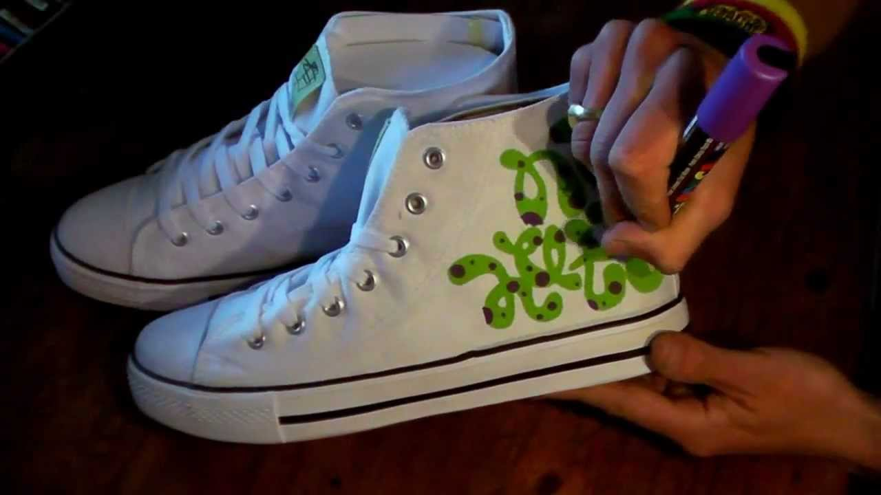 07f46a9f09d9 HOW TO GRAFFITI SNEAKERS  1 draw hip hop shoes style kicks fashion art tv  wars tutorial letters - YouTube