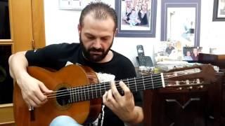 Antonio Patrocinio tocando la guitarra de mi amigo Paco Peix