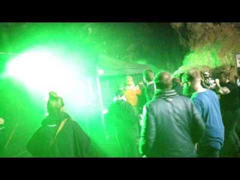 Rave in cave beach ( Iceland)