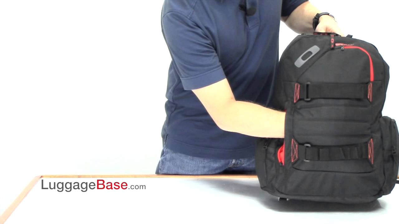 04392c8ace Best Price Oakley Method 540 Backpack Review - LuggageBase.com