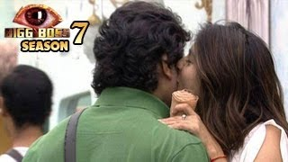 Tanisha CAUGHT KISSING Armaan Kohli in Bigg Boss 7: MUST WATCH