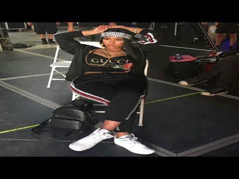 Nicki Minaj & Cardi B fight! Nicki didn't know Migos would put #Bardi's verse on Motorsport! #LHHNY