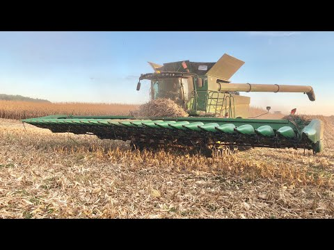2019 John Deere S790 on Tracks & 24 Row Corn Head