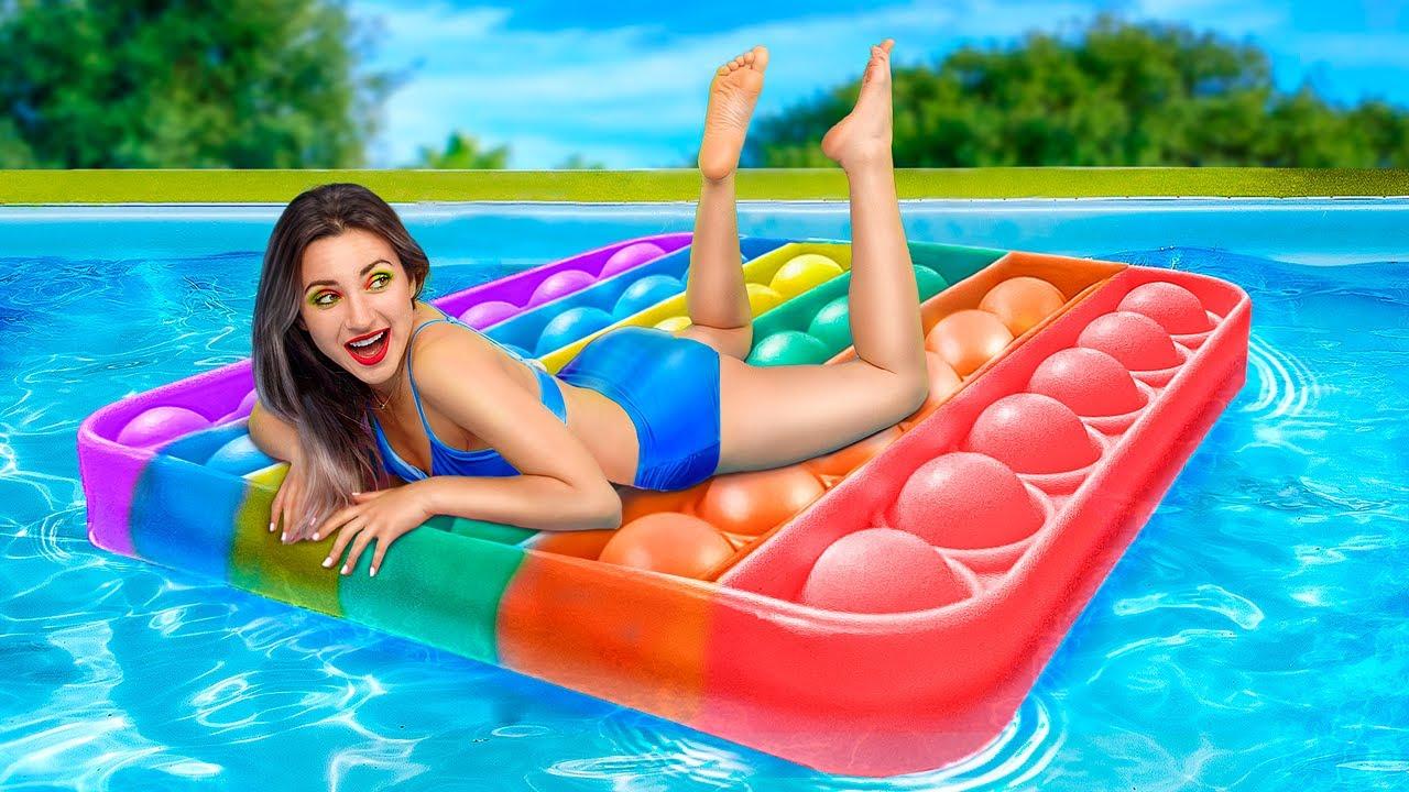 Download Annem Özel Bir Plaj işletiyor!