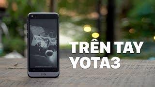 Yota 3 - điện thoại với màn hình e-ink thứ 2