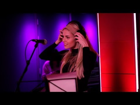 London Grammar  Pure Shores in the  Lounge