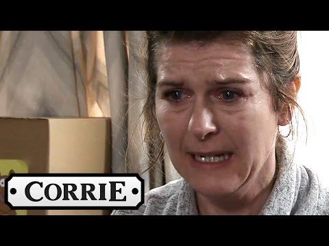 Coronation Street - Rana Lets Rosie Rope Imran Into Going to Sally's PartyKaynak: YouTube · Süre: 53 saniye