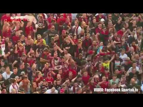 Fanúšikovia Trnavy urážajú SFZ počas osláv titulu vo Fortuna Lige