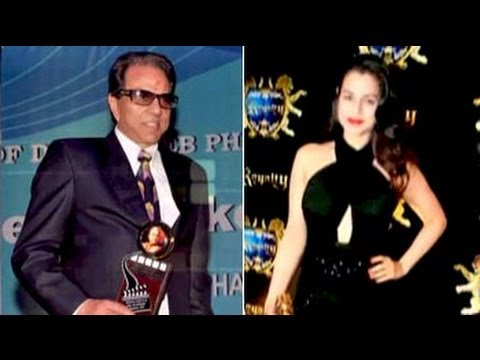 Ameesha's style trouble, Dharmendra is miffed