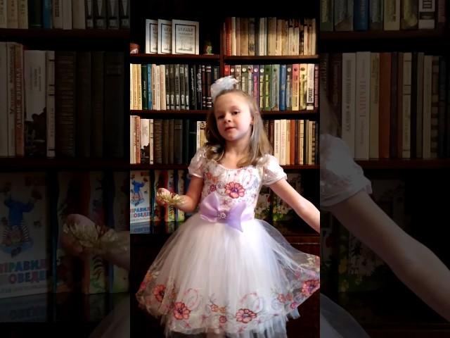 Изображение предпросмотра прочтения – ВикторияЧеснокова читает произведение «Снежок» Н.А.Некрасова