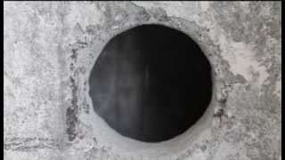 видео Вырезать круглое отверстие в гипсокартоне: способы осуществления
