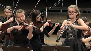 J. S. Bach - Concerto for oboe & violin BWV 1060 Alicja Matuszczyk - oboe, Julia Iskrzycka - violin