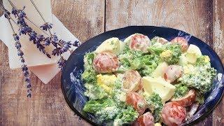 Вкусный рецепт. Салат из брокколи с помидором и яйцом.