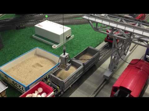 Märklin 76501 Gantry Crane Loading and Unloading Bulk Material in Wagons