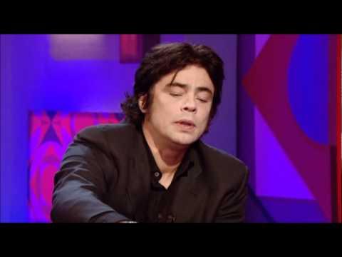 Benicio del Toro on Jonathan Ross 2009.02.06 (HQ)