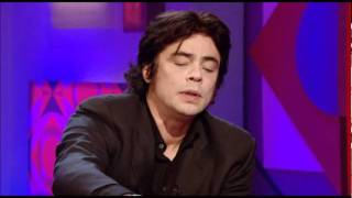 Benicio del Toro on Jonathan Ross 2009.02.06 (HQ)