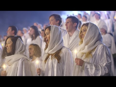 Over A Thousand People Came Together To Break A Record And Bring This Moving Christmas Hymn To Life