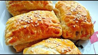 Закусочные слоеные пирожки со шпротами на скорую руку