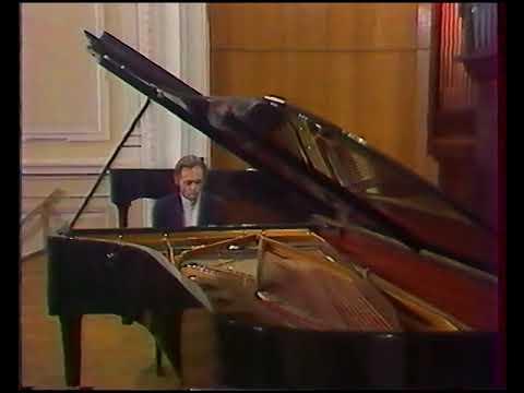 Igor Zhukov - Moscow TV recital 1987 -  Part 1