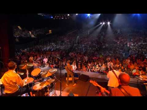 Ringo Starr - Live at the Greek Theatre - 16. The Stroke (Billy Squier)