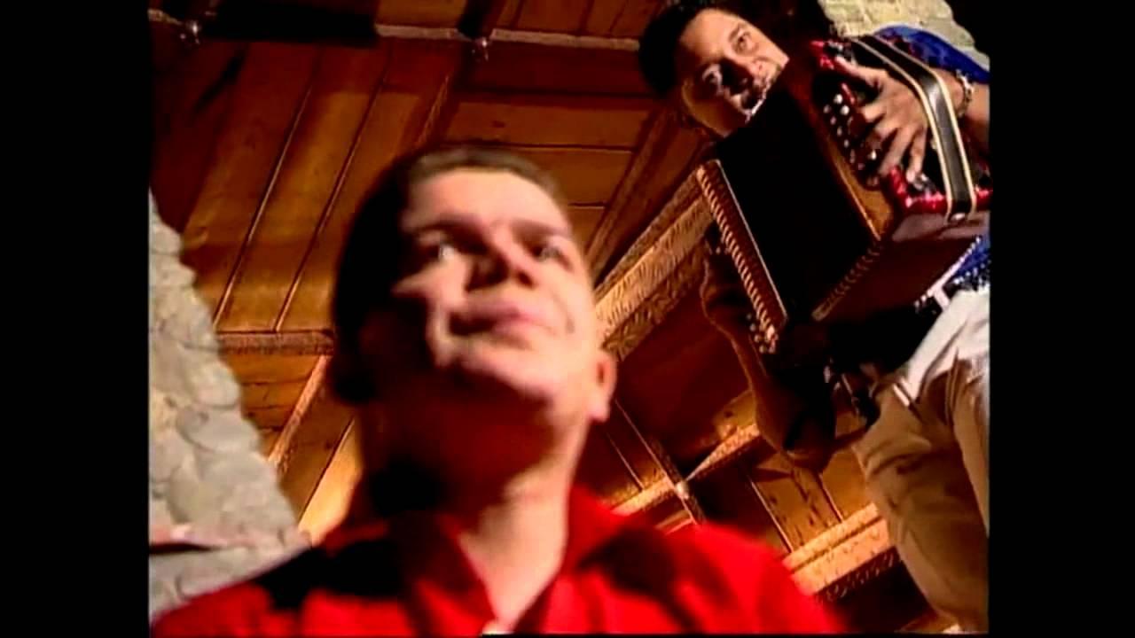 AGUA CALIENTE FABIAN CORRALES CON LETRA [VIDEO OFICIAL HD]